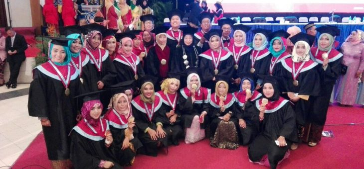 Wisuda Mahasiswa Psikologi Universitas Muhammadiyah Surabaya Genap 2016/2017