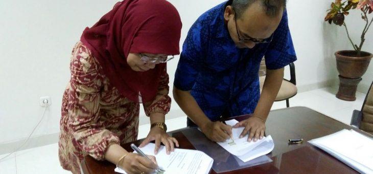 Penandatanganan Mou dengan Presiden International Association of Muslim Psychologist (IAMP) Dr Bagus Riyono